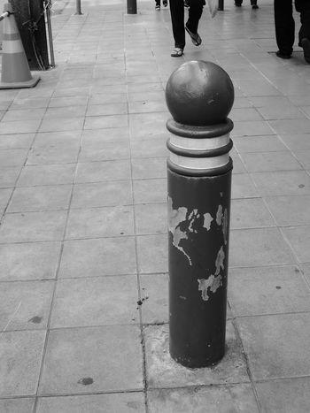footpath in bangkok Thailand Bangkok Black And White Black And White Photography Blackandwhite Blackandwhite Photography Day Footpath Footpath Sign Life Outdoors Pathway Road Street Street Photography Streetphoto_bw Streetphotography Thailand Way