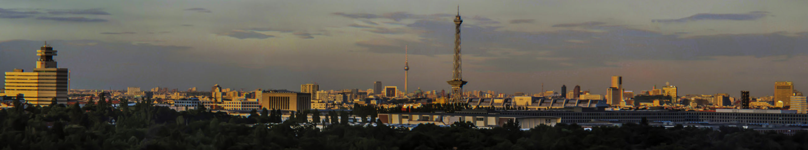 Jroße Stadt, janz kleen... Berlin Panorama Clouds And Sky GetYourGuide - Cityscapes