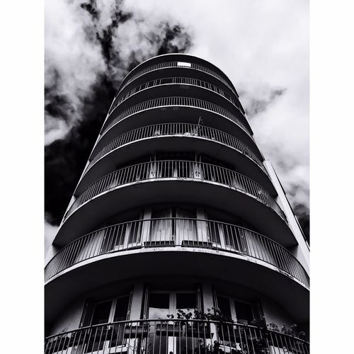 Depths BIG Plant Streetphoto_bw Clouds And Sky Photooftheday Photoshoot Photography HDR City Streetphotography Street Blackandwhite Blackandwhite Photography
