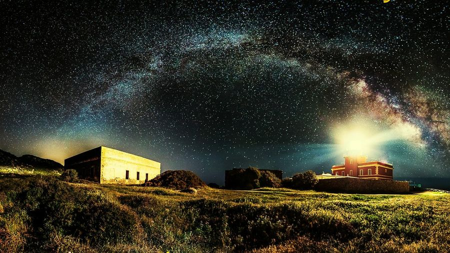 Star - Space Building Exterior Travel Destinations Galaxy Astronomy Milky Way Illuminated Beauty In Nature Sky Night I Just Love That Pic 😀