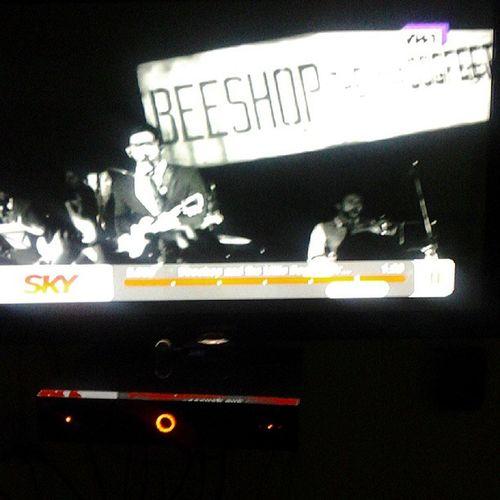 Vendo pela oitava vez já kk Beeshop Visconde Fresno  Lucassilveira show