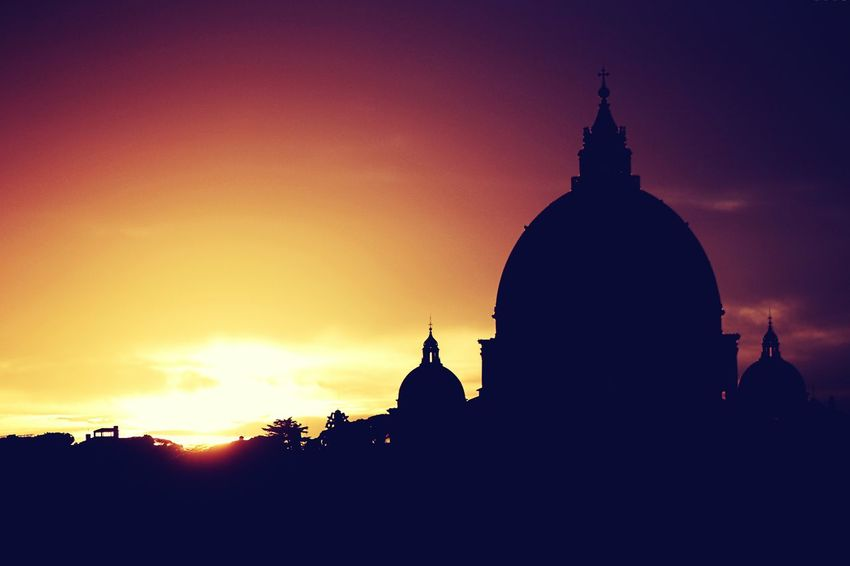 Supernatural sunset over Saint Peter's Architecture Silhouette Built Structure Building Exterior Travel Destinations Sky Dome No People Outdoors Day Cityscenes Streetphoto Cityview Urban Tranquil Scene Backgrounds Best EyeEm Shot Italy Rome City Architecture Sunlight EyeEm Gallery The City Light Saint Peter's Basilica