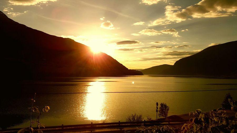 Sunset #sun #clouds #skylovers #sky #nature #beautifulinnature #naturalbeauty #photography #landscape Sunset Creative Light And Shadow The Moment - 2015 EyeEm Awards The Traveler - 2015 EyeEm Awards Norway