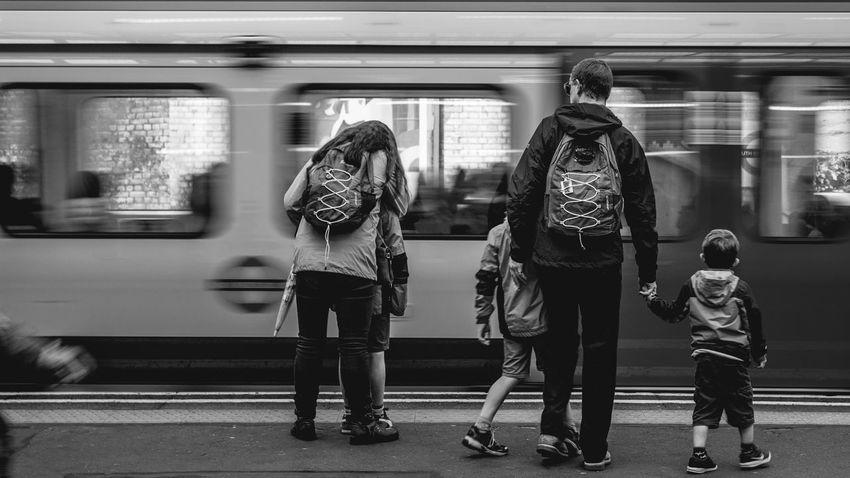 Family trip. The Street Photographer - 2017 EyeEm Awards Canon Canonphotography Canon1200d Canoneos Canonphoto Canonofficial People Real People EyeEm EyeEm Best Shots Eyeemphotography Canon_official Postproduction AdobeLightroom 18-55mm Canon18-55 Blackandwhite Blackandwhite Photography B/W Photography Speed Motion Contrast Metro Londra EyeEmNewHere EyeEm LOST IN London Postcode Postcards