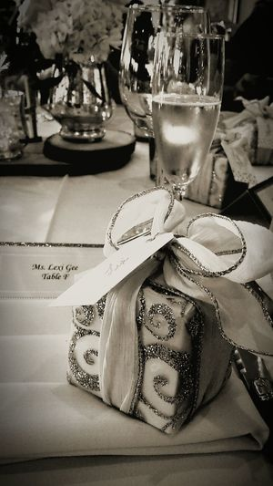 Mealtime Wedding Reception Weddingdinner Classy Look  Surprise Gift Sparkling Bow