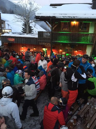 Skiing Apres Ski Relaxing Drinks
