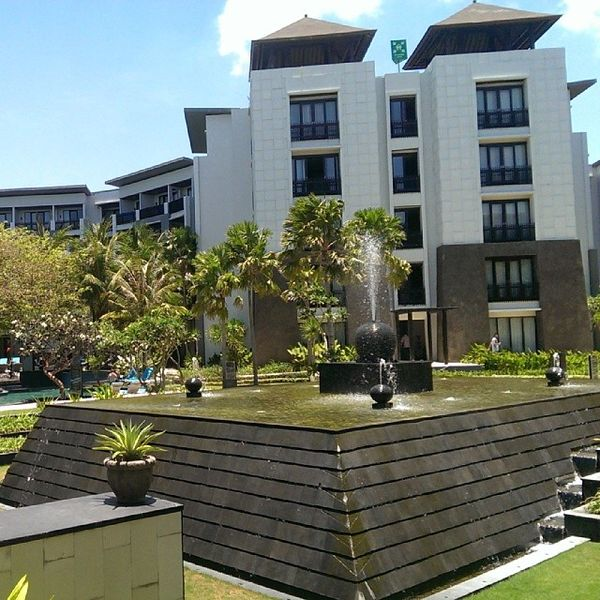 Pullman Hotel Legian Bali Travel