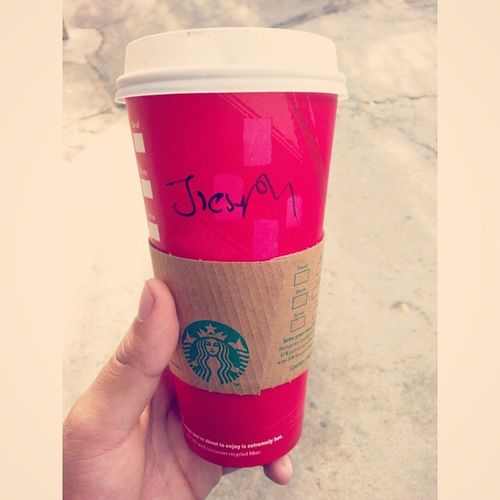 Seriously bro did you even try? Starbucks Coffee Redcups Peppermintmocha peppermint checkyourcashiers cringe mynewname jiestoh ? dafuq bruh