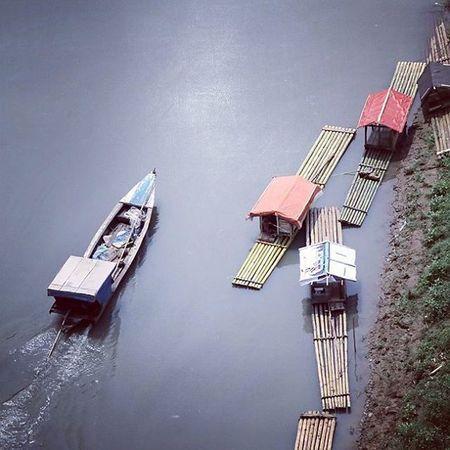 Passing a friends. Berperahu ke sebrang sungai Citarum Cianjur Photocianjur Perahu Boat Bambooboat River Landscape Nature