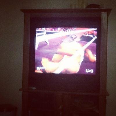 Watching wrestling. Weheartpics @weheartpicscom