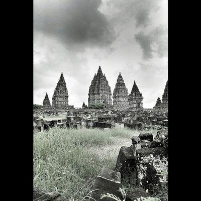 Indonesian Temple Instanusantara Instanusantaradiy Instanusantarakuningan Instanusantarajakarta Instasunda Instagrgramhub Photooftheday Natgeo