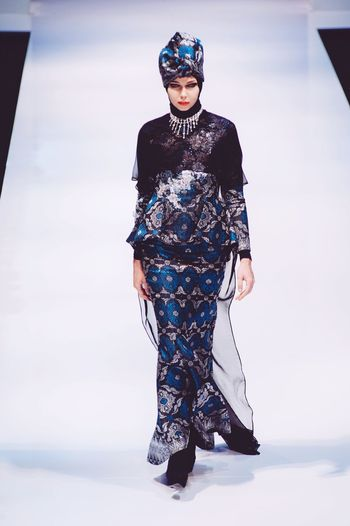 Striking Fashion Fashion Photography Photojournalism Fashioneditorial Klfwrtw2015 Fashion Show Female Model