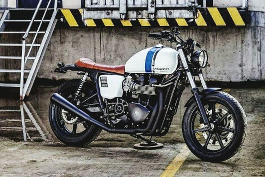 BRIT SPEED Triumphbonneville Triumph Motorcycle Classic Bike Triumph Bonneville Forever Two Wheels Two Wheels One Love 🚴🚵😎