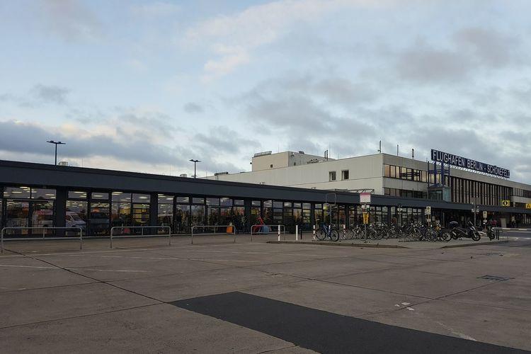 Schönefeld Airport Architecture Building Exterior Built Structure City Cloud - Sky Day Modern No People Outdoors Schonefeld Sky