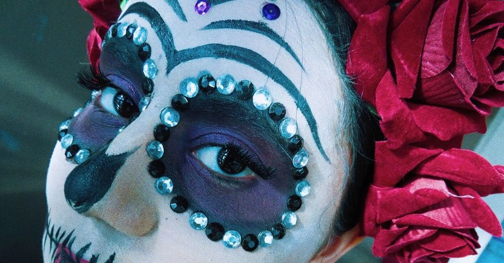 Catrinamakeup Catrina Day Of The Dead Dayofthedead 2DeNoviembre Mexico Culturamexico Culture And Tradition Tradiciones Multi Colored Portrait Blue Close-up