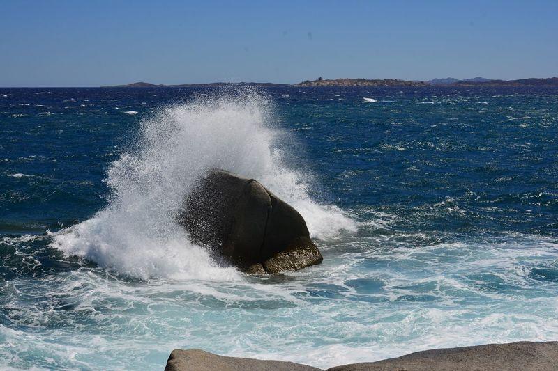 Waves breaking in sea