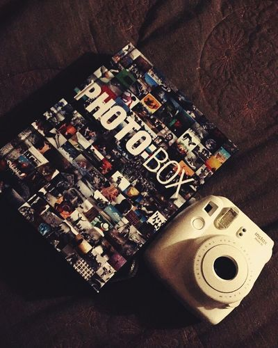 Realife Fujifilm Instaxmini8 Photobox Book Bookphoto Photographer Artist Passion Realife Collection