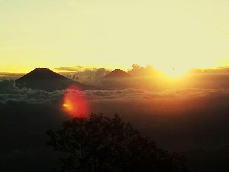 Merbabu mountain . jawa tengah-indonesia. I love indonesia . Mountain Mountain Hiking Sunset Mountains Photography Sunset Mountain Nature Beautiful Nature