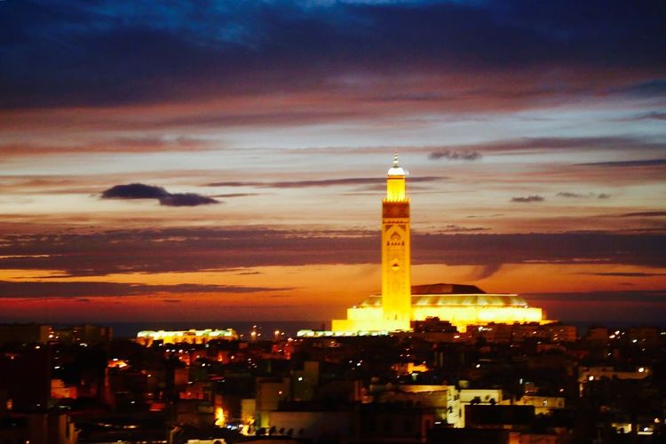 Casablanca by night Casablanca, Morocco Casablanca CasablancaStreets Hassan2mosque Morroco Nightphotography Night Sunset Sunset_collection Morocco Marokko Maroc First Eyeem Photo My Favorite Photo Check This Out Hello World Relaxing Taking Photos Enjoying Life The Great Outdoors - 2016 EyeEm Awards Mosque Mosque Hassan II Mosques Of The World Religion Religious Architecture