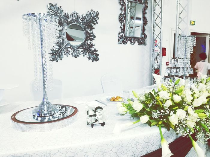 Déco marié wedding table des mariés . Flower Bouquet Decoration Wedding Réunion Island ♡ Diamant Wedding Decoration Wedding Photography Wedding Around The World EyeEmBestPics Mariés Huaweip9lite The Week On Eyem Reunionisland 🌴 Couples❤❤❤ Marriedcouple