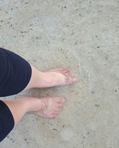 Not to be greedy, but i need much more than this 😧 Hanging Out Enjoying Life Calming Place Calm Water Oceanlife Relaxing Toesinthesand Feet In Water Florida Keys Morning Walk Clear Water Sand & Sea Afterworkout