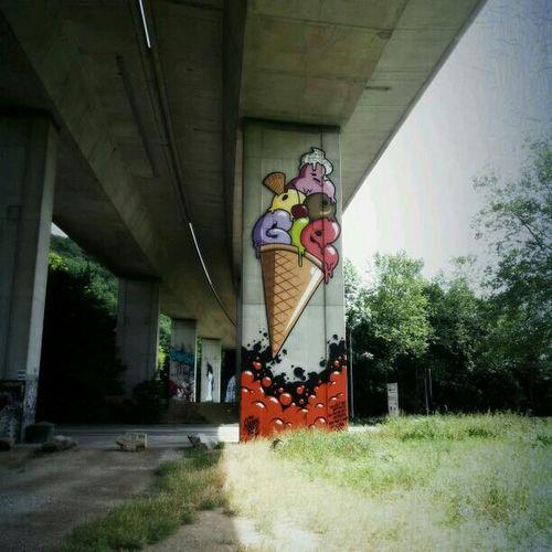 Street Art Street Art/Graffiti Bridge-Gallery
