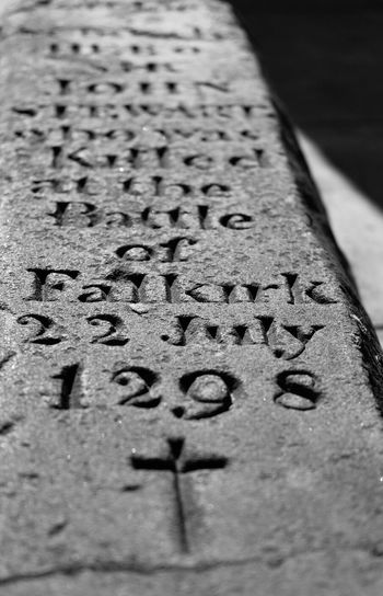History Scottish History Scotland William Wallace Battle Falkirk Gravestone Memorial Engraving Stone Stone Carving Old Buildings Falkirk
