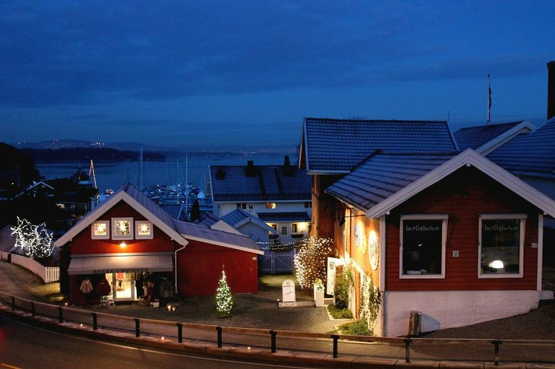 Norway Vollen Landscape Eyemcaptured Oslofjord Seaside Scenics No People Night Illuminated Architecture ChristmasHouse Built Structure Building Exterior Sky Christmas Lights Store Christmas Decoration Façade City Travel Destinations Outdoors Adapted To The City The Architect - 2017 EyeEm Awards The Street Photographer - 2017 EyeEm Awards