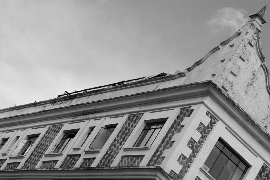 Fine Art Photography Abstract Architecture Architecture_bw The Architect - 2016 EyeEm Awards Blackandwhite Blackandwhite Photography Building Building Exterior Built Structure City Cloud Day Façade High Section History Low Angle View Monochrome No People Old Outdoors Residential Building Residential Structure Sky Window