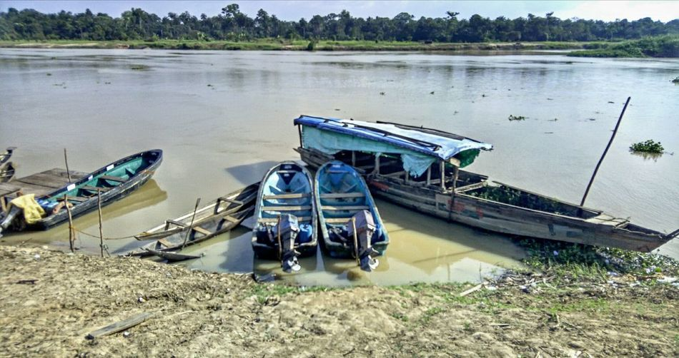 Nautical Vessel Water Lake Outdoors Moored No People Day Nature Africa Day To Day Esanma Burutu Delta Niger Delta Nigeria HDR Lower Niger Riverbank River NIGER The Great Outdoors - 2017 EyeEm Awards
