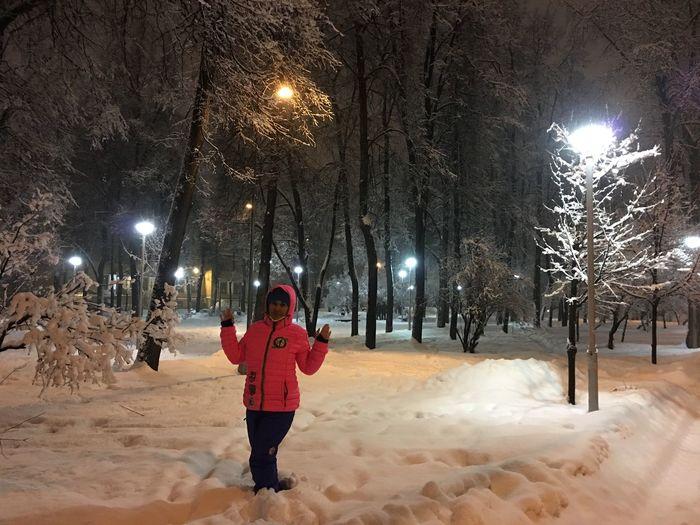 снег Winter Cold Temperature Snow Night Illuminated Warm Clothing Frozen