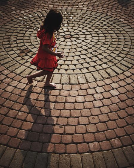 Pattern Pieces Girl Dancing on the Circle Streetphotography Streetphoto_color Urbanphotography Fujifilm