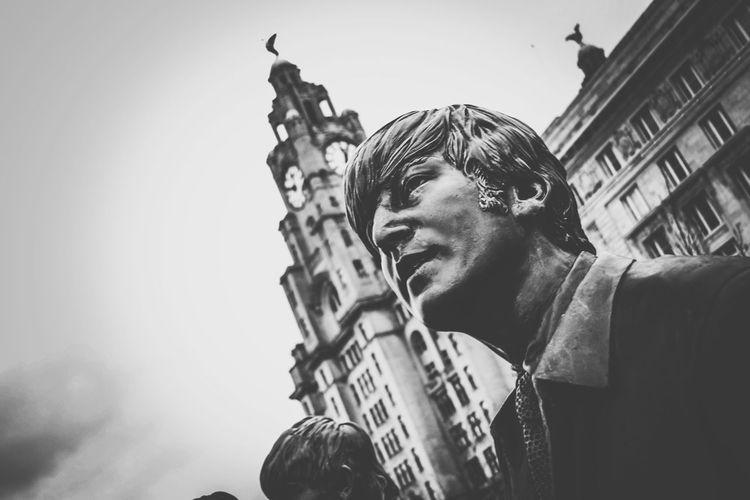 B&w Street Photography Beatles John Lennon B&w Photography B&w Photo Liverpool, England Liverpool Showcase: December Photographing Taking Photos Learn & Shoot: Simplicity