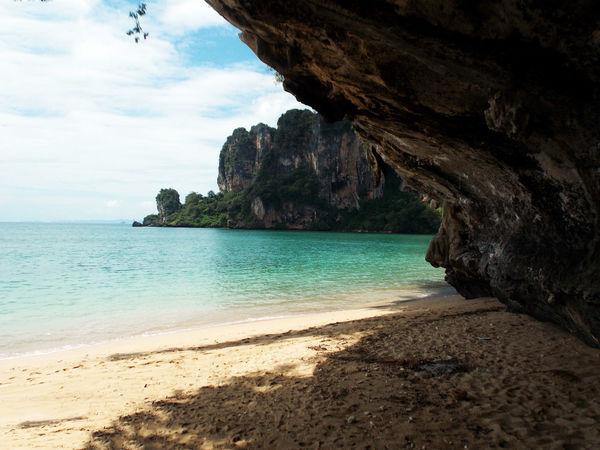 Beach Beauty In Nature Horizon Over Water Idyllic Nature Outdoors Rock Rock - Object Rock Formation Scenics Sea Tranquil Scene Tranquility Water Railay Beach