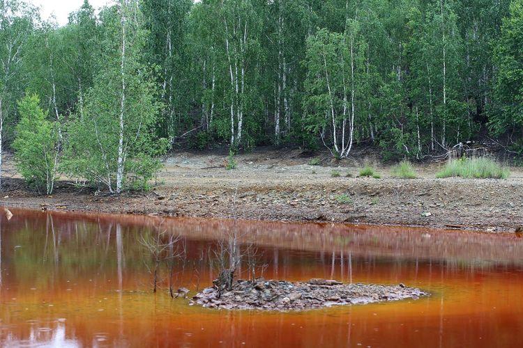 Ural Landscape Red Water Nofilter Nature
