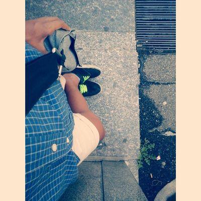 Foot Feet Piedi Street strada fermatadelpullman busstop