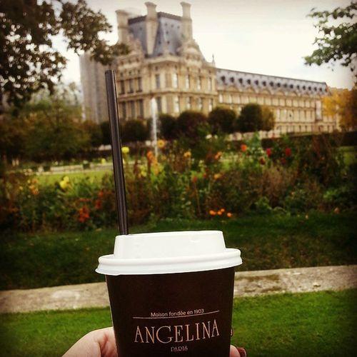 Notre premier maton a Paris! Paris LuxemburgGardens Angelinas Hotchocolate breakfast yum