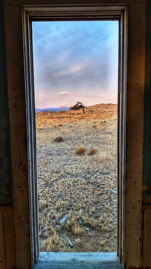 old world view EyeEm Selects Old Cabin Park County Old Ruin Oldfarmhouse Window Sky No People Looking Through Window Day Indoors  Landscape Nature Architecture Scenics EyeEmNewHere