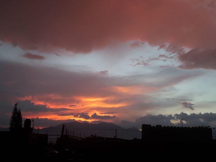 Ciudad Guzman Atardecer Tree Mountain Sunset Storm Cloud Sun Ethereal
