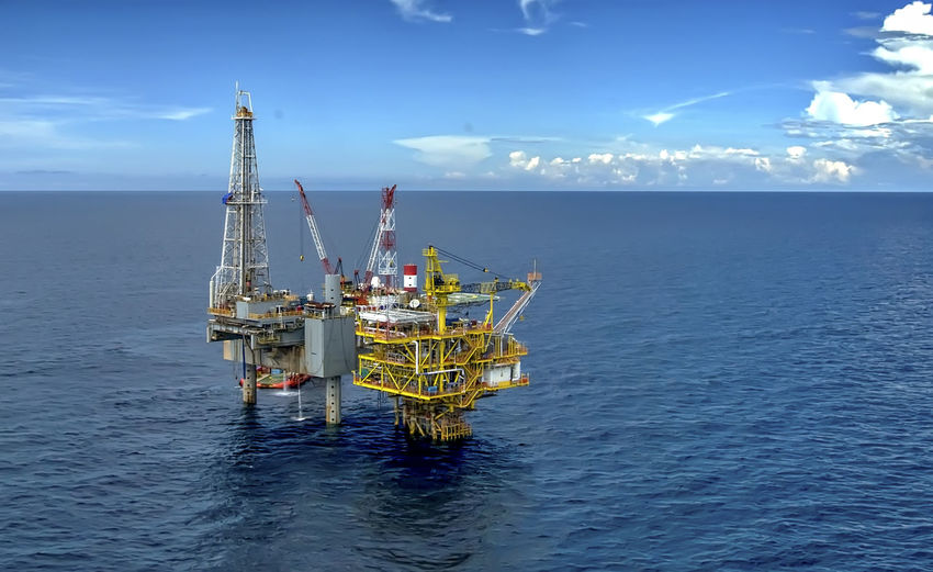 Offshore Platform Cloud - Sky Development Offshore Platform Oil & Gas Sea Water
