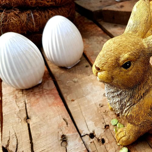 Ostern... Easter Osterhase Easter Decoration Ostern Easter Easter Ready Osterzeit Easter Time  Easter Bunny Easter Eggs Ostereier Tradition Taking Photos Eyeemphotography EyeEm Easter EyeEm EyeEm Selects Table Wood - Material Close-up The Still Life Photographer - 2018 EyeEm Awards