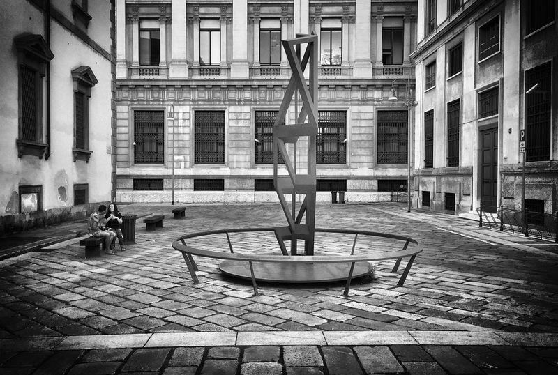 Sculpture Modern Art Streetphotography Street Photography Streetphoto_bw Milano Milan Milan,Italy Eyeemphoto