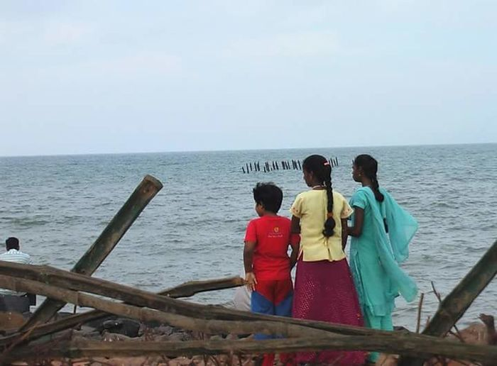 Just the 3 of us Shootermag Daylight Landscape Children Kids Siblings Bestfriend Friends Streetphotography Colourful Childhood Three People Boy Girls India Indian Children Pondicherry Pondicherrybeach Rear View Horizon Over Water Water Beach Vacations Outdoors Togetherness Real People People Nature Leisure Activity EyeEmNewHere Fashion Stories