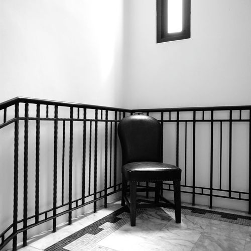 Chair Railing Indoors  Quiet Moments Sit Light And Shadow Window Lightandshadow ชีวิตนักเขียน