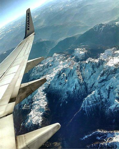 Flying High Airplane Paris Ryanair Traveling