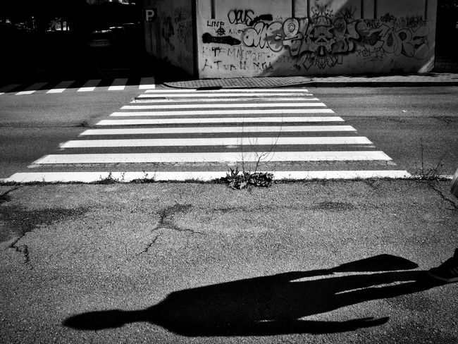 Huawei Mission Black And White Photography City Life Graphic Composition Mood My Year My View Shadows And Light Sidewalks Street Photography Walkway