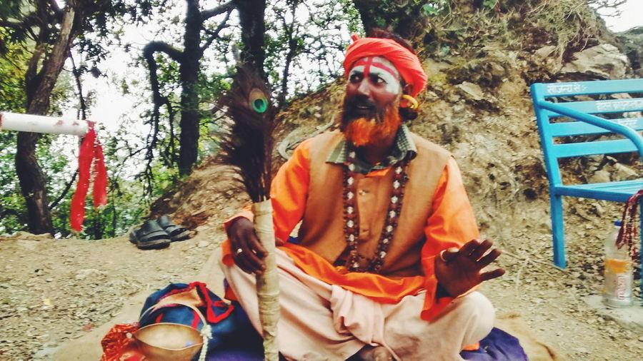 """Be quick, it's raining, I've to pack my stuff and go"" the sadhu said. India Sadhu Baba Eyeemawards16 Feel The Journey On The Way"