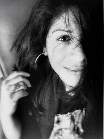Still smiling while in pain.... Real People Swollen Pinky  Happiness ♡ I'm Smiling Again Playfighting Dan Of Steel Black And White Photography