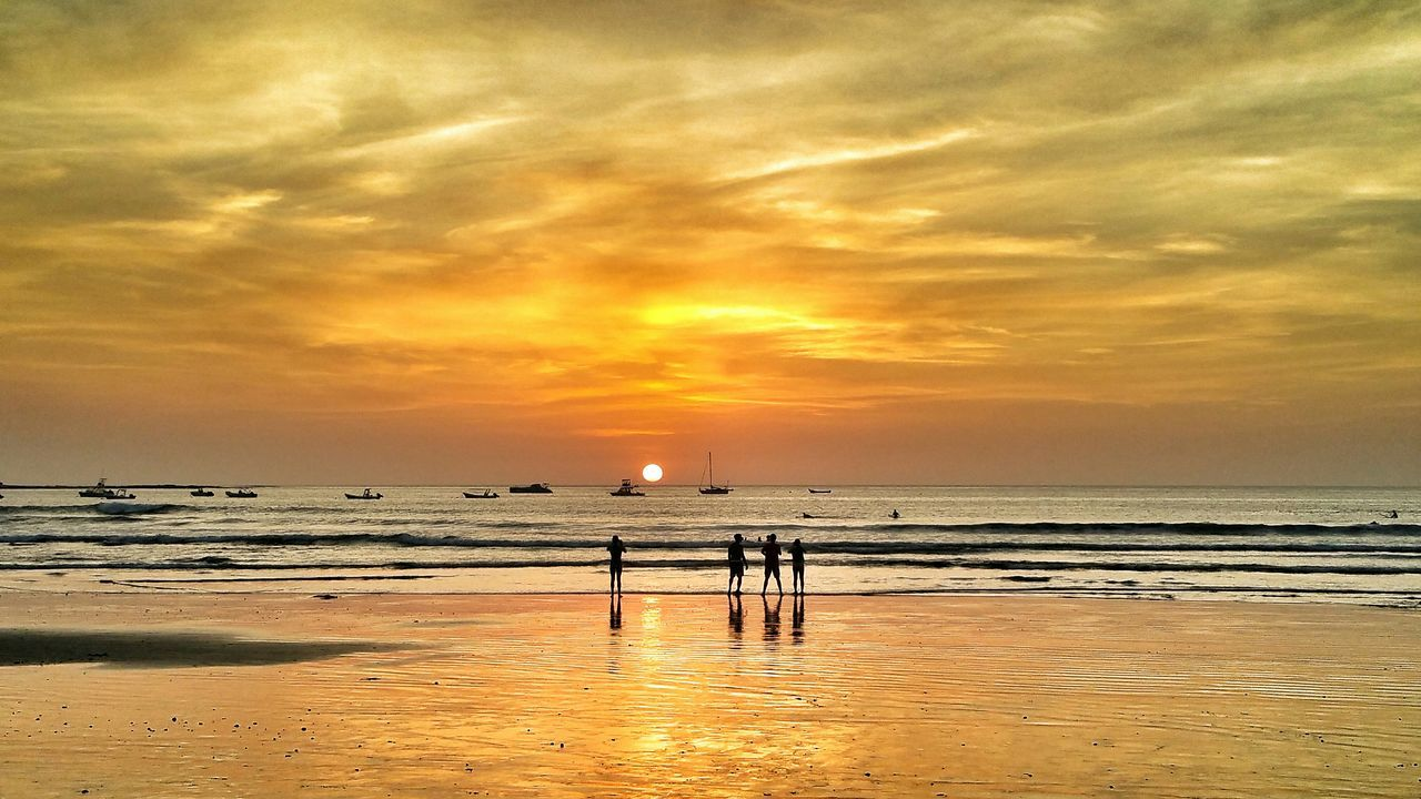 sea, sunset, water, beauty in nature, horizon over water, scenics, nature, tranquil scene, sky, tranquility, orange color, beach, sun, outdoors, cloud - sky, no people, day