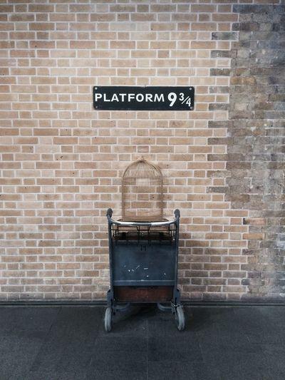 Harry Potter 9 3/4 London Kings Cross Harry Potter 9 3/4 Station Trolley Cage
